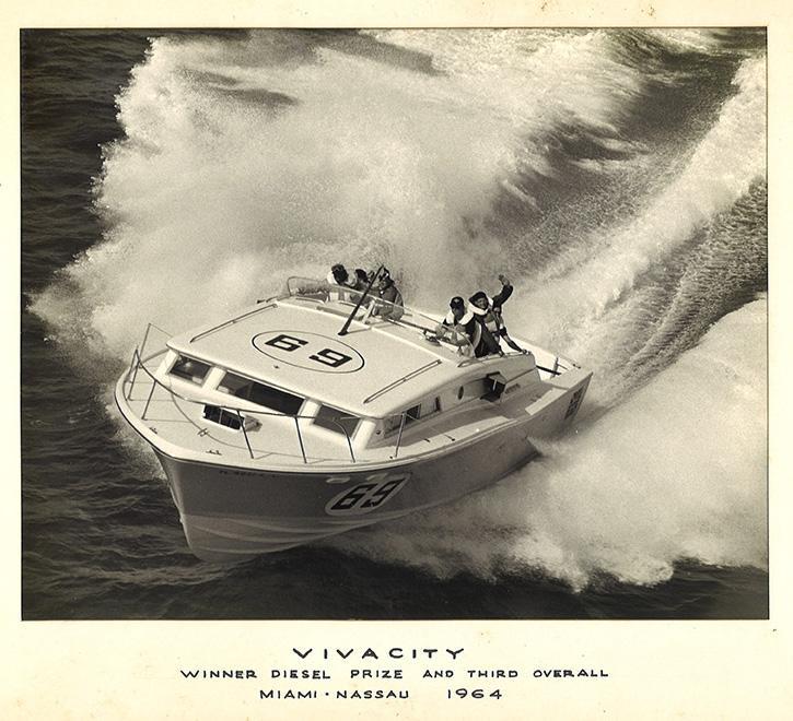 1964-vivacity-38-bertram.jpg.9ed11dea2236cd5d7750ccbd89f8c95d.jpg